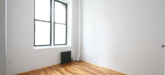 Bright Soho 1 Bedroom with Eat-In-Kitchen